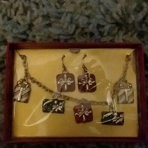 Avon christmas gift bracelett and erring set